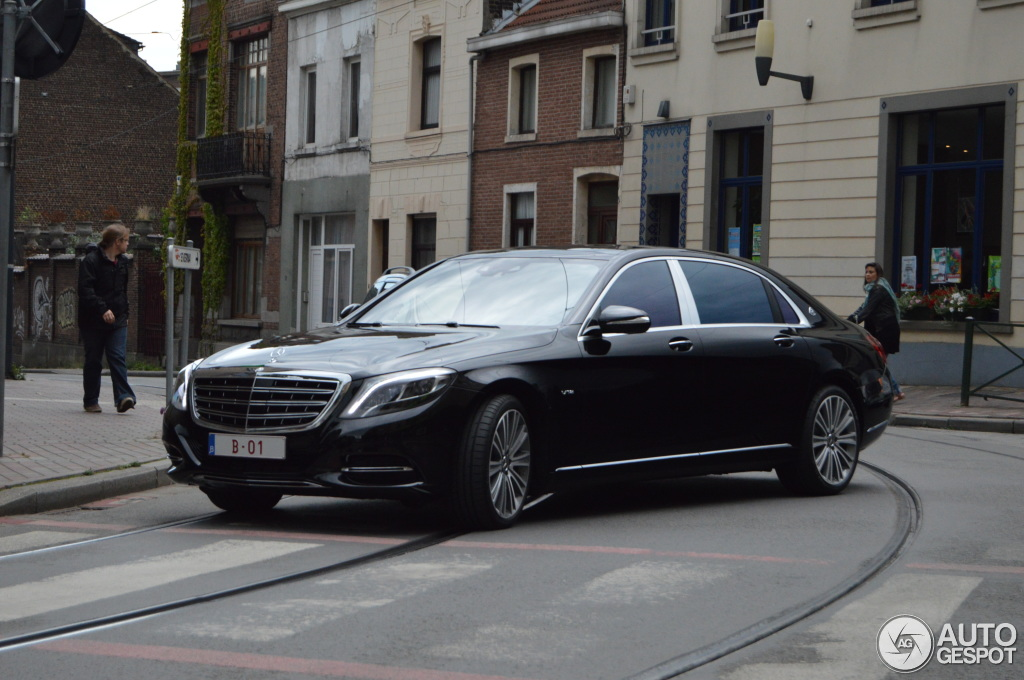Mercedes-Maybach S600 - 24 August 2015 - Autogespot Мерседес S600 2012