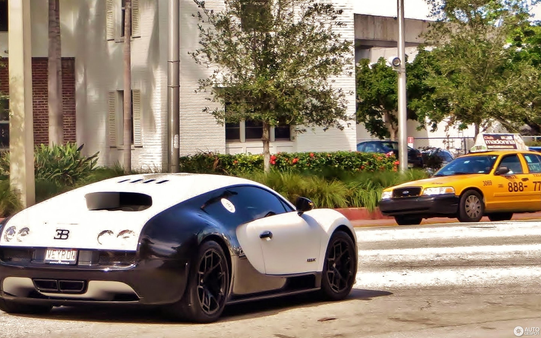 Bugatti Veyron 16.4 Super Sport Pur Blanc - 8 September ...