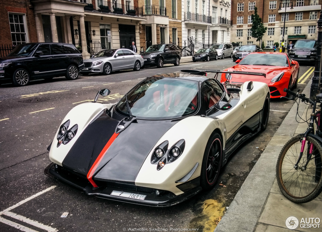 pagani zonda cinque roadster 8 september 2015 autogespot. Black Bedroom Furniture Sets. Home Design Ideas