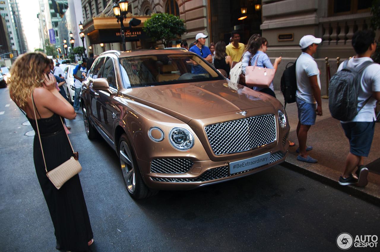 Bentley Bentayga (2016) 58