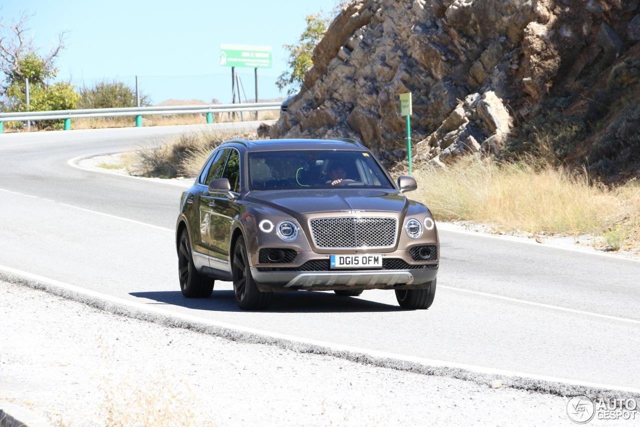 Bentley Bentayga (2016) 54