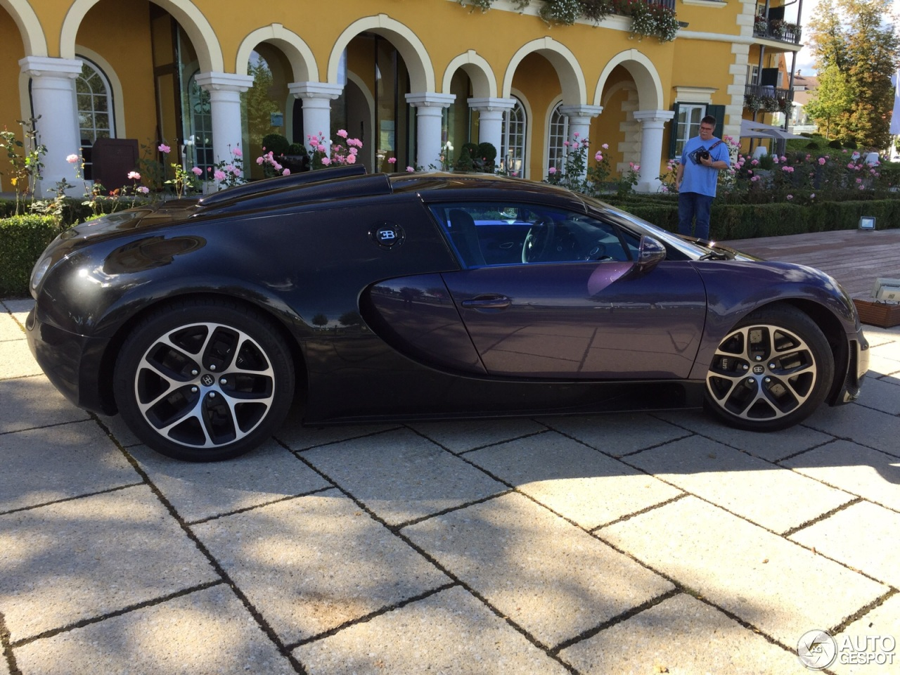 bugatti veyron 16 4 grand sport vitesse 23 september 2015 autogespot. Black Bedroom Furniture Sets. Home Design Ideas