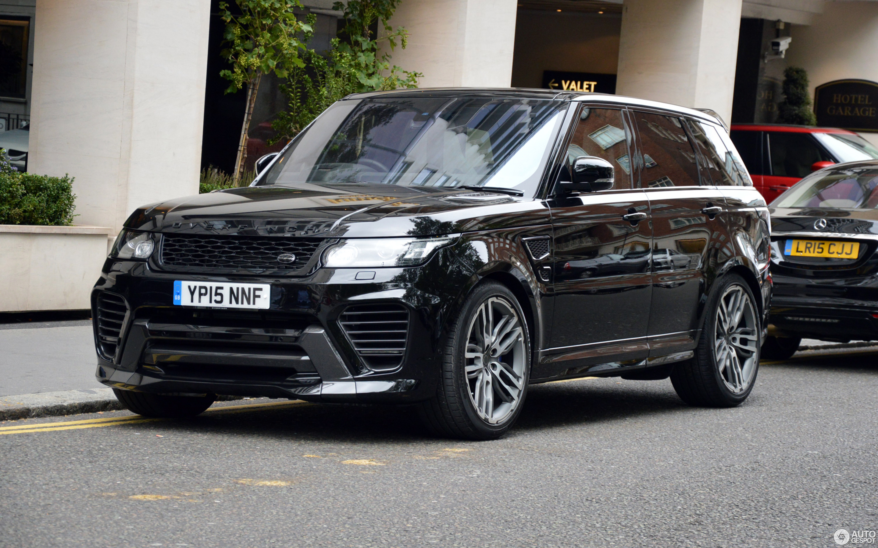 Land Rover Range Rover Overfinch Gt Svr 23 September 2015 Autogespot