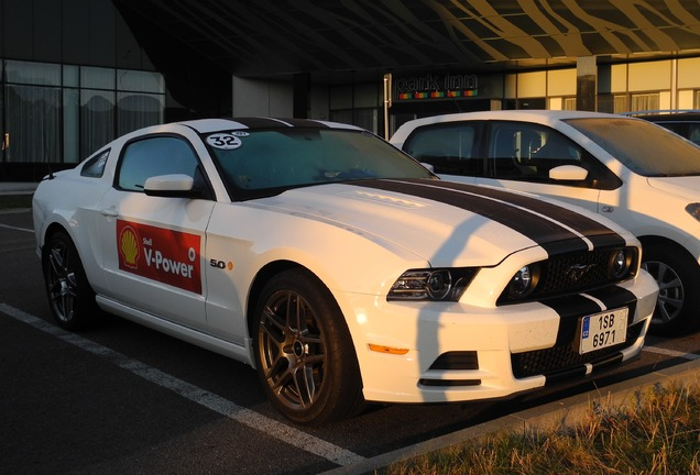 Ford Mustang GT 2013
