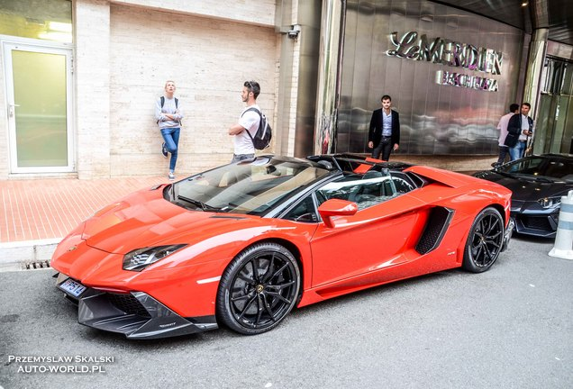 Lamborghini Aventador LP700-4 Roadster MVM Automotive Design