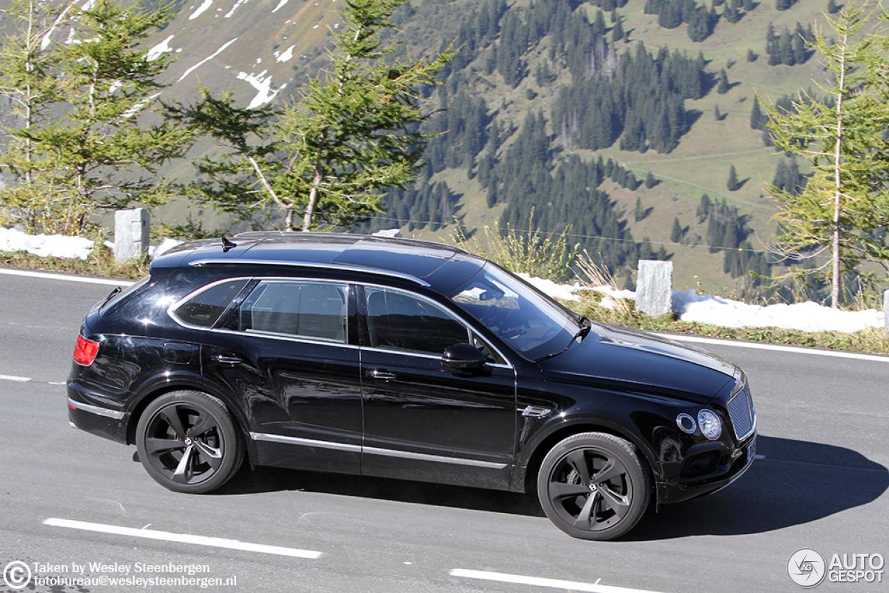 Bentley Bentayga (2016) 50