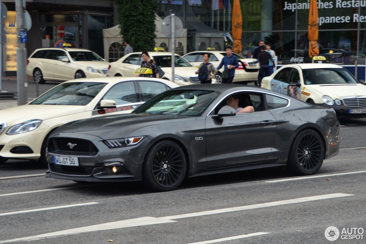 ford mustang gt 2015 28 oktober 2015 autogespot. Black Bedroom Furniture Sets. Home Design Ideas