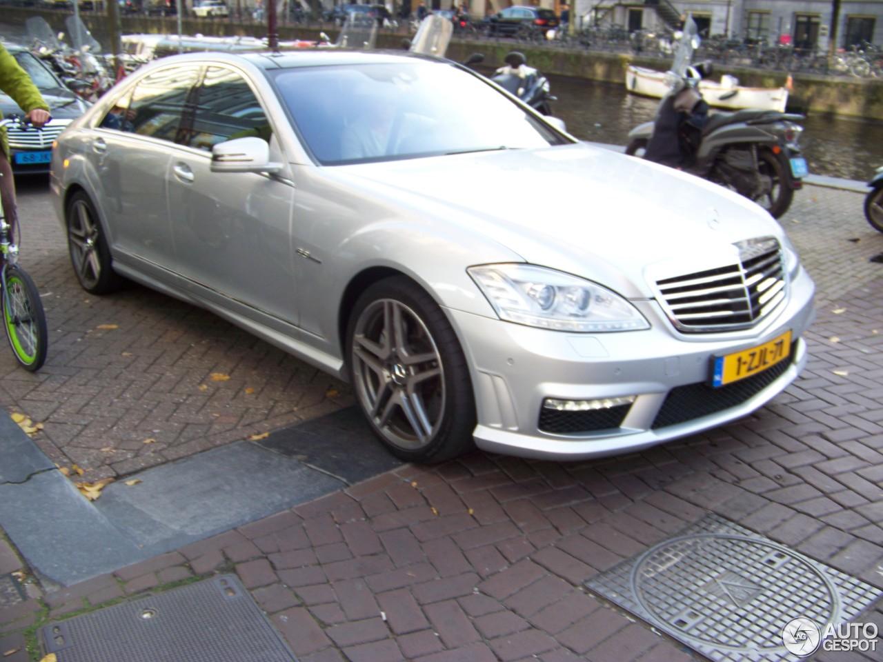 Mercedes benz s 63 amg w221 2010 1 november 2015 for Mercedes benz s63 amg 2010