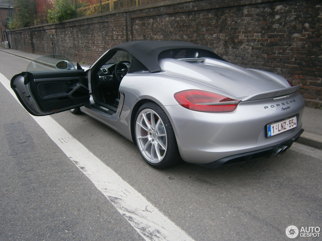 porsche 981 boxster spyder 11 november 2015 autogespot. Black Bedroom Furniture Sets. Home Design Ideas