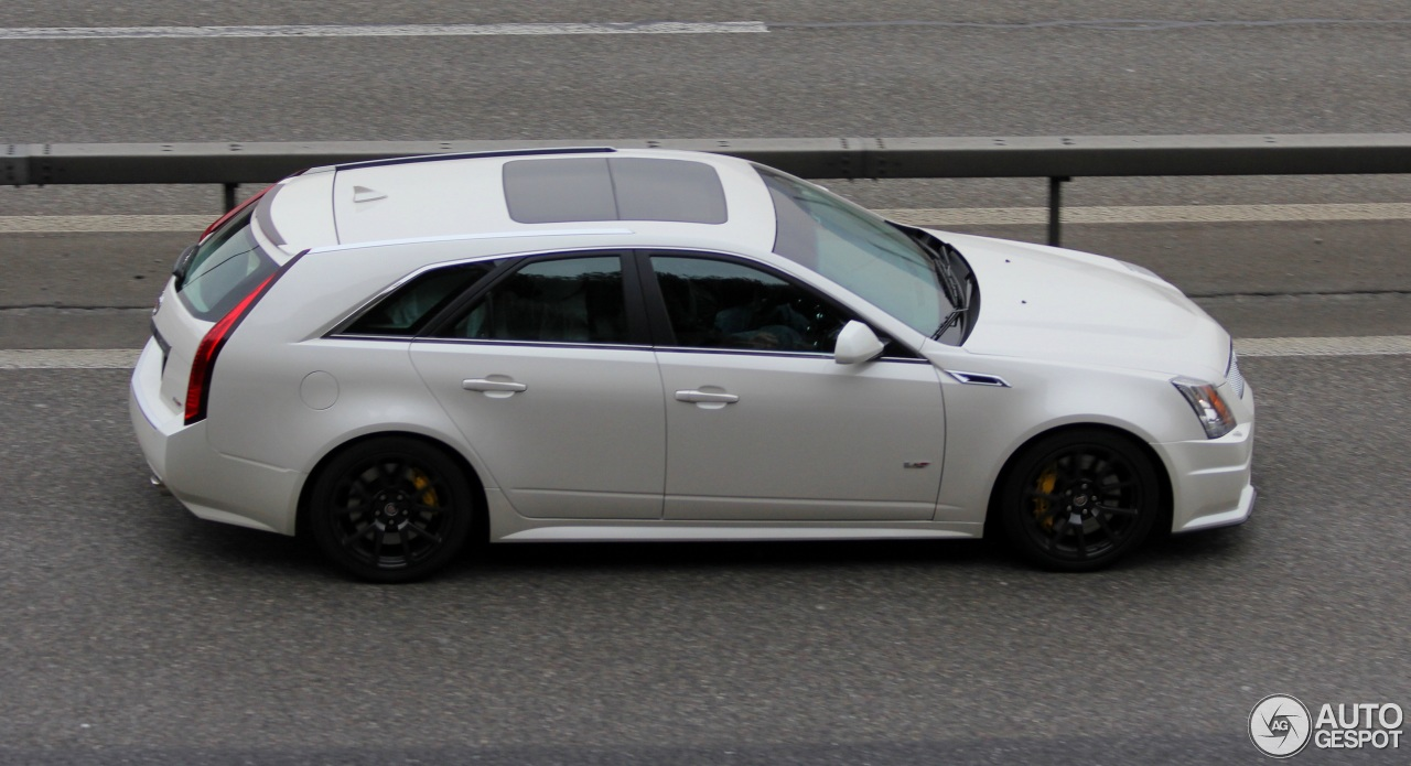 cadillac cts v sport wagon 26 november 2015 autogespot. Black Bedroom Furniture Sets. Home Design Ideas