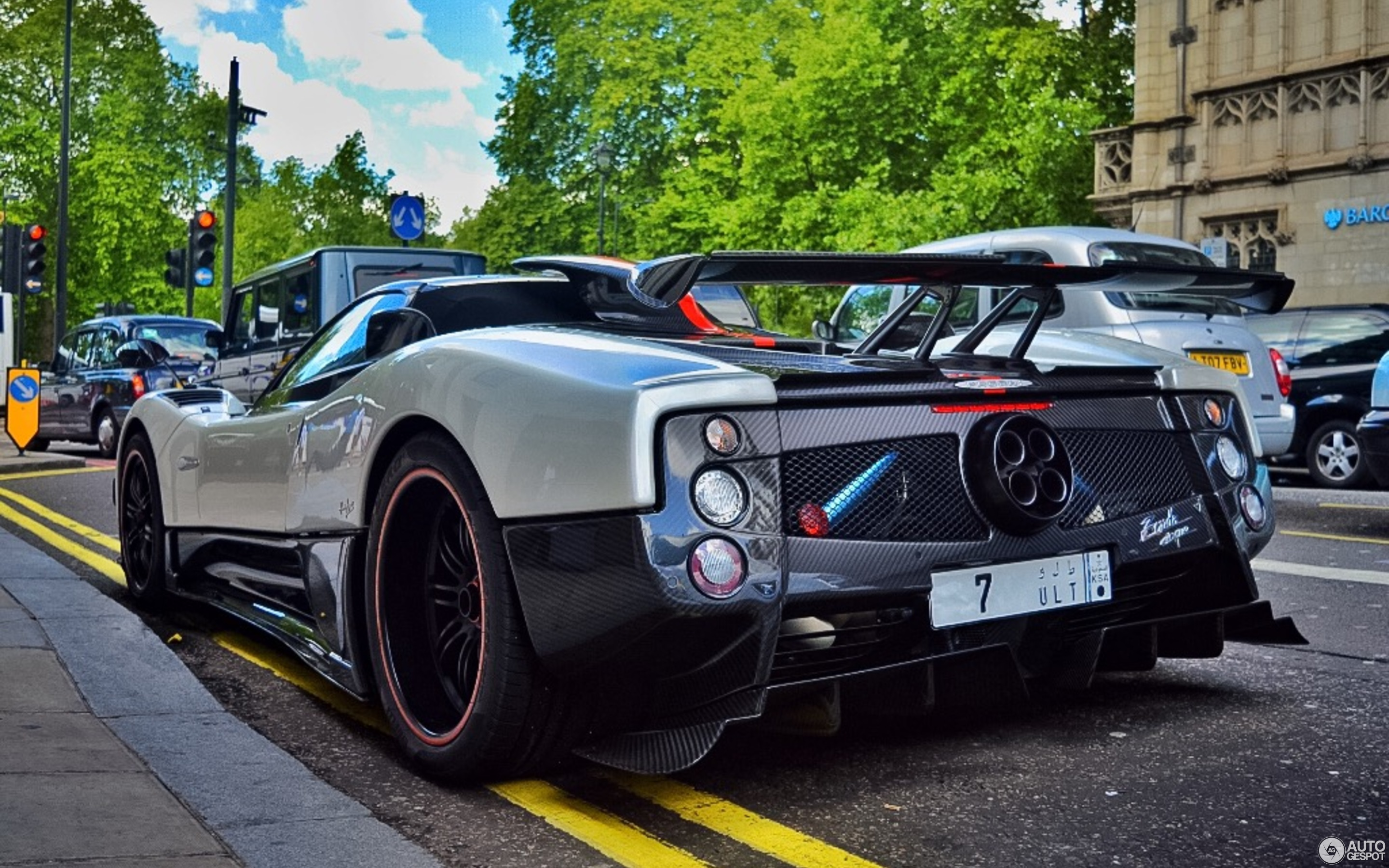 pagani zonda cinque roadster 26 november 2015 autogespot. Black Bedroom Furniture Sets. Home Design Ideas