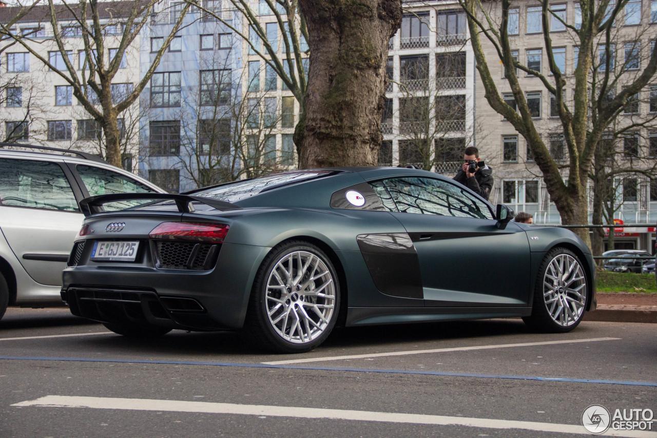 Audi r8 v10 matte black 11